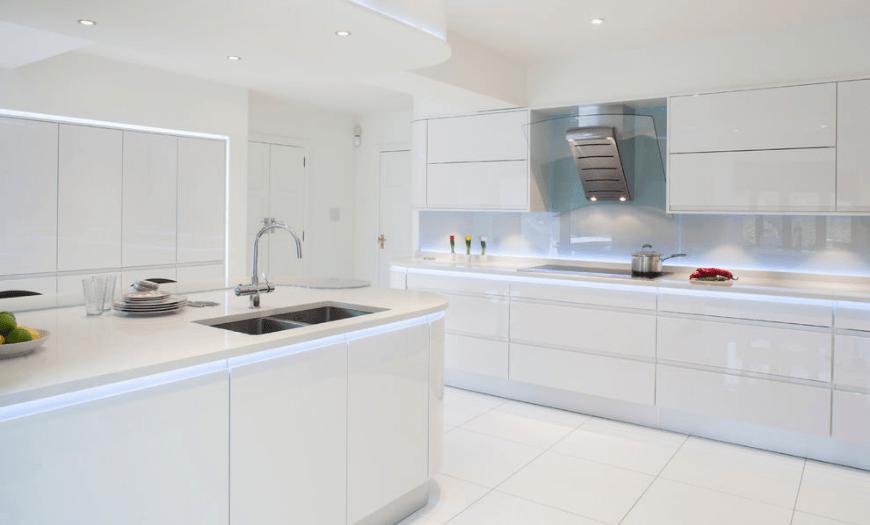 Дизайн белой кухни 2021: 170+ красивых фото с современными идеями