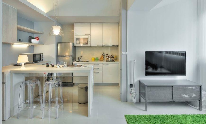 Кухня квартиры-студии.