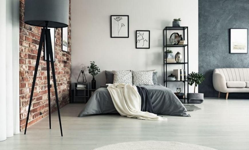 Спальное место в квартире-студии в стиле лофт