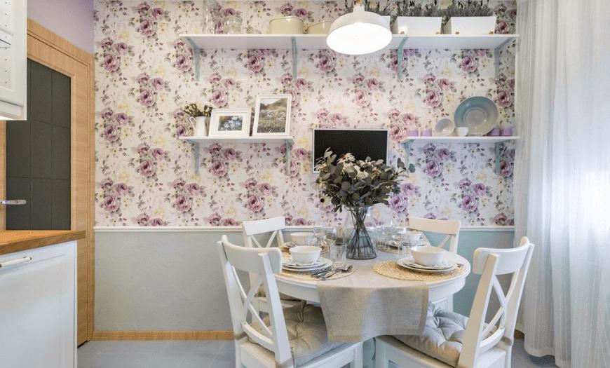 Цветочные принты в дизайне кухни