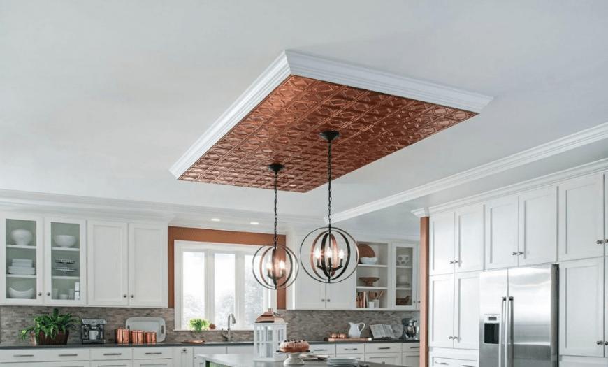 Оформление потолка для белой кухни
