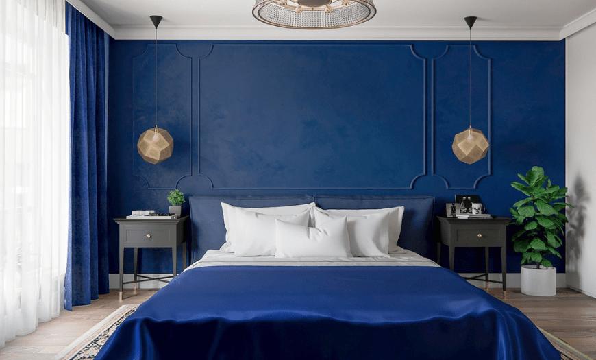Синие обои в интерьере спальни