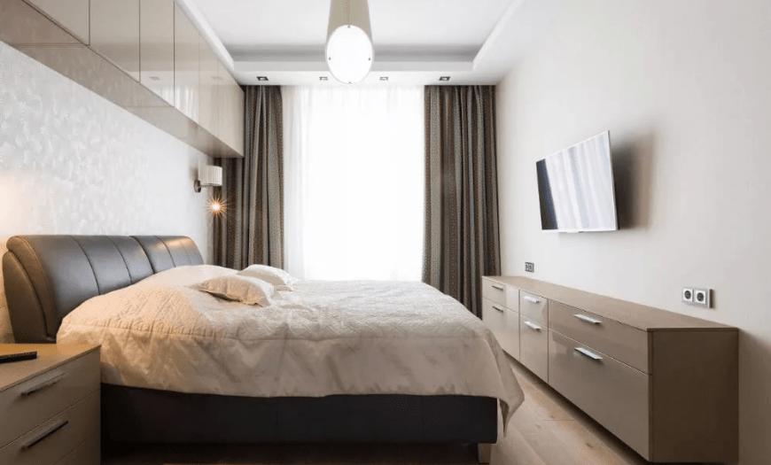 как расположить мебель в маленькой спальне