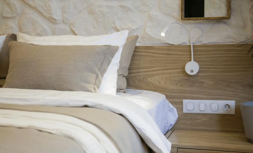 компактная спальня в современном стиле