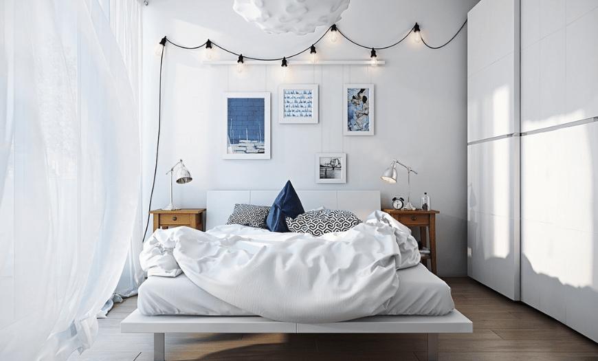 спальня с большой кроватью