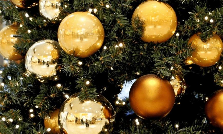 золотые шары на ель