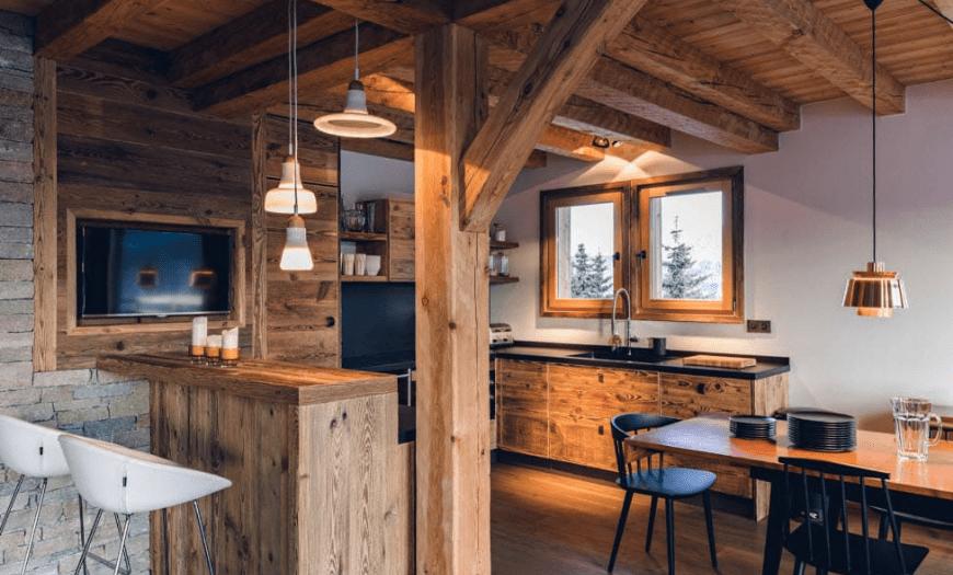 Кухня-гостиная в стиле Шале