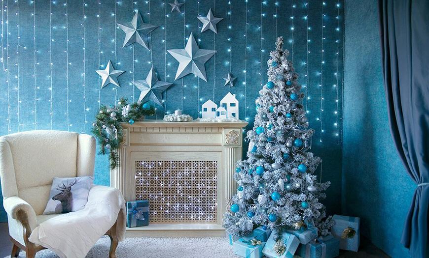 Новогодний декор в голубых цветах