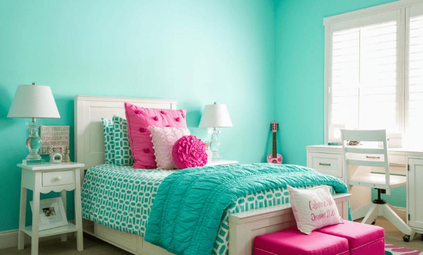 Мятный с розовым в интерьере комнаты