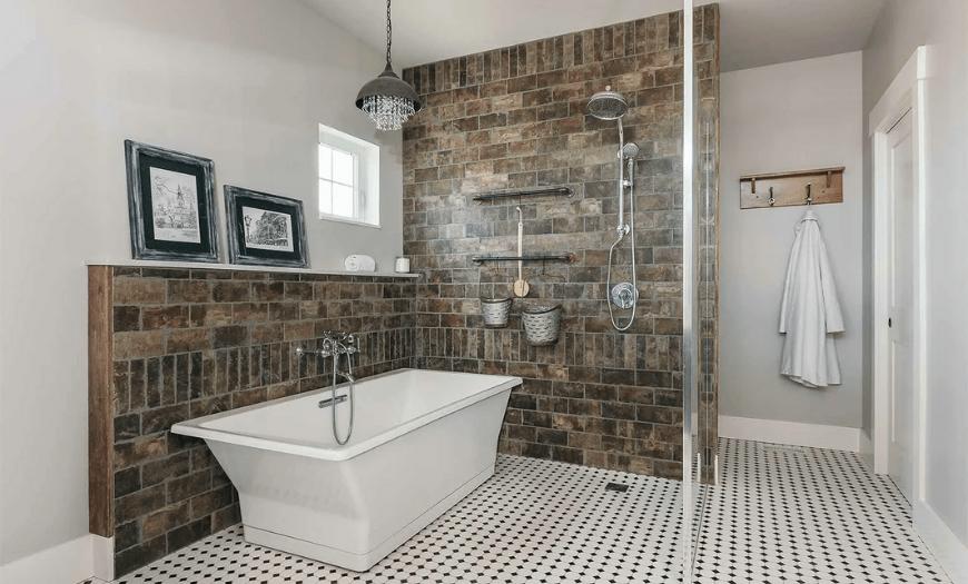 Отделка ванной плиткой  в частном доме